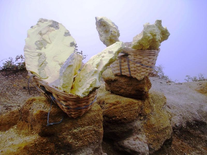 sulfur mining in kawah ijen