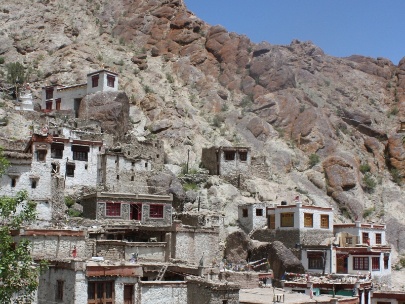 Houses near Hemis
