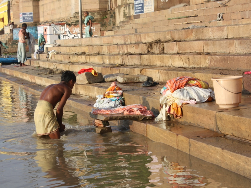 washing clothes in Varanasi