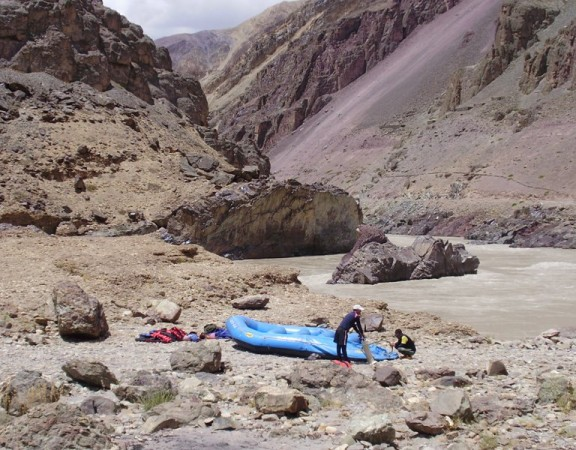 rafting on zanskar river