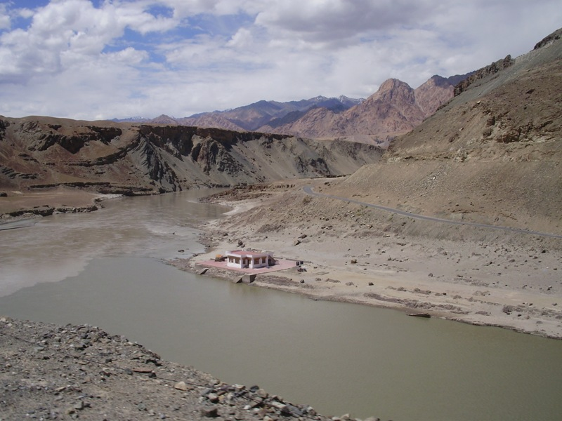 rafting on zanskar river