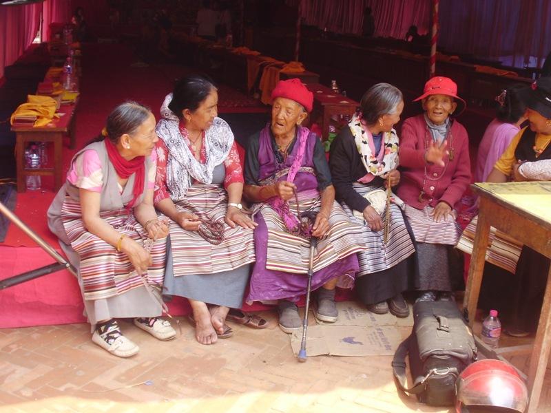 tibetan women in nepal