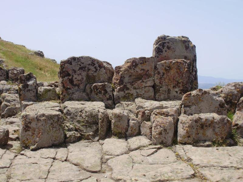 Kokino observatory thrones